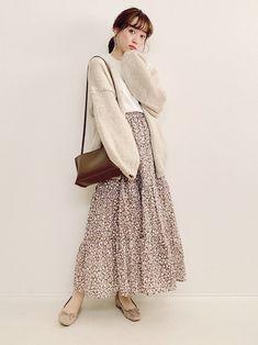 Long Skirt Fashion, Long Skirt Outfits, Modest Fashion, Fashion Dresses, Modest Outfits Muslim, Korean Girl Fashion, Muslim Fashion, Japanese Fashion, Asian Fashion