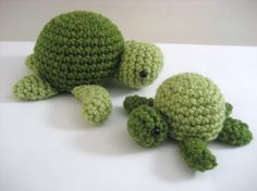 Sea Turtle Crochet/ cute used to make this on a small margarine tub with beads inside, cute rattle for a baby