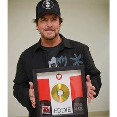 EVERYBODY LOVES OUR TOWN · On his trip to Brazil, Eddie Vedder ...