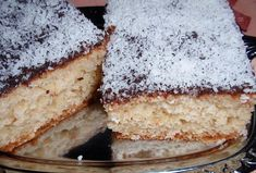 Vanilla Cake, Tiramisu, Ethnic Recipes, Food, Vanilla Sponge Cake, Meal, Essen, Hoods, Tiramisu Cake