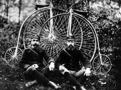 Bike messengers, 1900