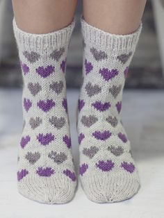Knitting Patterns Mittens Socks with hearts Novita Nalle Crochet Socks, Knit Mittens, Knitting Socks, Slipper Socks, Slippers, Woolen Socks, Fluffy Socks, Knitted Heart, Patterned Socks