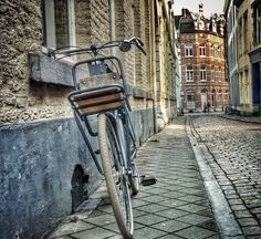 The beauty of simple things. Mtricht Moment... Kapoenstraat, Maastricht by Roberto Fiuza - #mtricht
