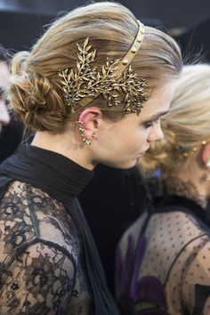 Elie Saab at Paris Fall 2017 (Backstage) - hair accessories for AW17 - metal leaf hair band...x