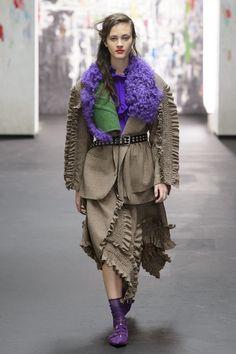 Il vero dettaglio moda su vestiti e bluse per l'autunno inverno 2017-2018 è questo e darà brio, femminilità, romanticismo