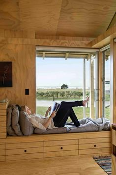 A home may not always be complete without a bay window seat. Whether it is a house or an apartment, you can have at least one. Make sure that these bay window seats are suitable for the whole conce… Window Benches, Window Seats, Interior Architecture, Interior Design, Sustainable Architecture, Wooden House, Wooden Room, Window Design, Bay Window