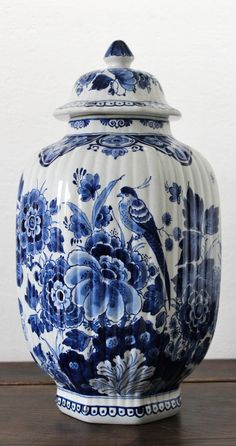 New England and the Tri-State's estate liquidation leader in home based online auctions. Antique Pottery, Blue Pottery, Antique Lamps, Blue And White China, Blue China, Red And White, Blue Dishes, Blue Pigment, White Decor