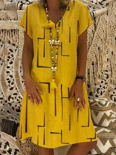 Women casual daily dress – Page 25 – dresshelike Fly Dressing, Dressing Over 60, Casual Dresses For Women, Clothes For Women, Women's Clothes, Elegant Dresses, Pretty Dresses, Vintage Dresses, Short Sleeve Dresses