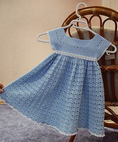 Croche pro Bebe: Vestidos em croche--the yoke could be used with a fabric skirt tooCroche pro Drink: Dresses in crochetBeautiful crocheted dress for little girls make handmade crochet craftThis pin was discovered by cin – Artofit Crochet Toddler Dress, Crochet Dress Girl, Crochet Baby Dress Pattern, Baby Dress Patterns, Baby Girl Crochet, Crochet Baby Clothes, Crochet For Kids, Crochet Summer, Crochet Patterns