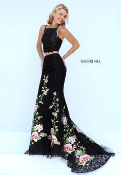 Foto 4 de 30 Sensual dos piezas en negro con falda de flores bordadas | HISPABODAS