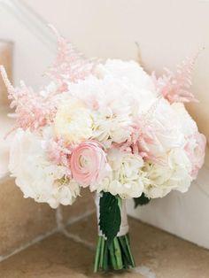 pink and white wedding bouquet / http://www.deerpearlflowers.com/40-romantic-pink-wedding-ideas-for-springsummer-wedding/