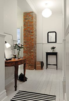 White floors entries white washed floors, home decor и paint White Painted Floors, White Washed Floors, White Walls, White Flooring, Painted Wood, Hallway Inspiration, Interior Inspiration, Brick Columns, Brick Walls
