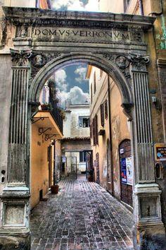 Monumenti di Jesi: Arco del Verroni
