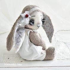 239 отметок «Нравится», 18 комментариев — Авторские куклы и игрушки (@niminyschay_irina) в Instagram: «Зайка стесняшка)))! Очень милая и нежная малышка! Пока в резерве! #авторскаяигрушка #ручнаяработа…»