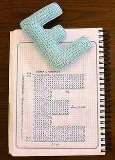 Crochet Letters Pattern, Crochet Alphabet, Cross Stitch Alphabet, Crochet Flower Patterns, Crochet Stitches Patterns, Crochet Patterns Amigurumi, Crochet Motif, Stitch Patterns, Crochet Pillow