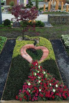 Grabstein Landesgartenschau NRW 2017 – red travertine … – Miracles from Nature Landscape Design, Garden Design, Cemetery Decorations, Memorial Flowers, Funeral Flowers, Travertine, Land Scape, Garden Landscaping, Outdoor Gardens