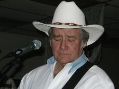 Check out Lee Sims and the Platte River Band on ReverbNation.  Lee Sims began singing at five years old, listening to his mom & dad's phonograph and singing along to the songs of Johnny Cash, Jim Reaves, Tennessee Ernie Ford, Hank Thompson, Johnny Horton and anyone else he could find in his mom & dads collection. #bellejarrecords