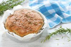 Focaccia senza impasto Babette's Feast, Food Therapy, Fett, Camembert Cheese, Pancakes, Bread, Baking, Breakfast, Recipes