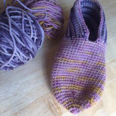Close the hole at the end and weave in any yarn tails. Repeat for the second slipper.