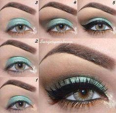 Mint green eyeshadow w/ bronze & gold tones. I <3 it