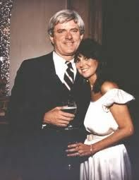Actress Marlo Thomas and television talk show host, Phil Donahue, married on May 21, 1980. She was 42 and he was 44. It was the bride's first marriage and the second for the groom. She gained five step-children with the marriage.