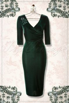 Collectif Clothing - 50s Phyllis Velvet Pencil Dress in Green
