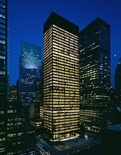 Seagram Building by Mies van der Rohe 375 Park Avenue, New York City, New York, USA http://www.archdaily.com/59412/seagram-building-mies-van-der-rohe/