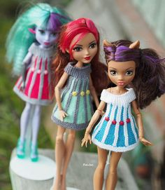 #монстрхай #клодия #DollsOutfit  #monsterhigh #dollphotography #dollcollection #mhcollection #clodiaMh #EverAfterHigh  #эверафтерхай #mattel      #matteldoll  #matteldoll #everafterhighcollector #everafterhighfan #everafterhighdolls    colorful dresses for standard dolls Ever After High, Monster High. The dress is knitted entirely by hand from an elastic yarn of two colors.