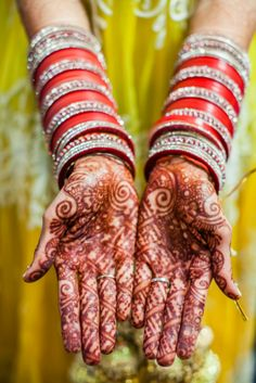 Henna and shiny bangles - Indian Wedding California by IQPhoto Studio