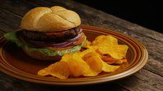 Delivery Comida, Hamburger, Ethnic Recipes, Link, Carne, Food, Burger Seasoning, Burger Menu, Gourmet Hamburgers