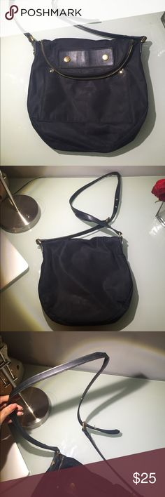 Pre loved Marc Jacobs bag Strap has wear. Look close at photos. Price reflects condition. Marc Jacobs Bags