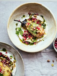 Burnt Aubergine, Coriander Oil, Garlic Labneh & Pomegranate - Izy Hossack - Top With Cinnamon Plating Vegetarian Dinners, Vegetarian Recipes, Cooking Recipes, Healthy Recipes, Coriander Oil, Plats Healthy, Burnt Food, Clean Eating, Healthy Eating