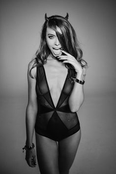 Roxy in Lascivious Lingerie for Live FAST Styled by Aban Sonia Hair and Make Up by Genevieve Lamb Nails by Camille Young The Forge - 2014 © Derek Wood