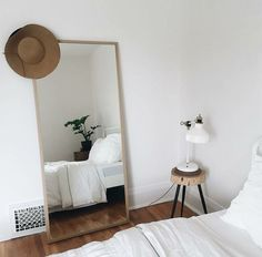 10 Secure Cool Ideas: Chic Minimalist Bedroom Dark Walls minimalist living room with kids interiors.Modern Minimalist Bedroom Clothing Racks minimalist home interior inspirational.Minimalist Home Tips Small Spaces. Home Decor Bedroom, Modern Bedroom, Bedroom Neutral, Bedroom Plants, Minimal Bedroom, Master Bedroom, Trendy Bedroom, Bedroom Mirrors, Messy Bedroom