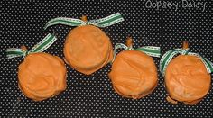 Oreo Pumpkins (dipped in orange candy melts with a pretzel stick stem).Make them into Oreo Pops Halloween Goodies, Holidays Halloween, Halloween Treats, Halloween Fun, Halloween Chocolate, Kids Holidays, Halloween Birthday, Pumpkin Dip, Pumpkin Cookies