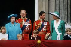 1988-06-11 Diana, Charles, William, Harry and members of the Royal Family on the balcony of Buckingham Palace at the Trooping The Colour