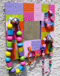 Miroir Patchwork support à Bijoux http://www.creamalice.com/Coin_conseils/1-loisirs_creatifs_2010/01-Miroir_Patchwork_support_Bijoux/Miroir_Patchwork_support_Bijoux.htm www.creamalice.com