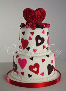 I would love to do a valentine cake! Big Cakes, Fancy Cakes, Sweet Cakes, Cute Cakes, Pretty Cakes, Yummy Cakes, Beautiful Cakes, Amazing Cakes, Fondant Cakes