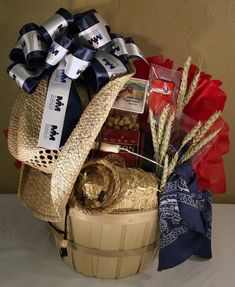 1000 images about Gift baskets on Pinterest #0: 49f8ebb4b8e39e2227f6ed431d9d47b8