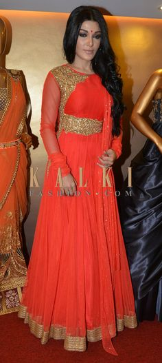 Must have Bollywood Style! Find a style match to the celebrity look of your choice @http://www.kalkifashion.com/salwar-kameez.html