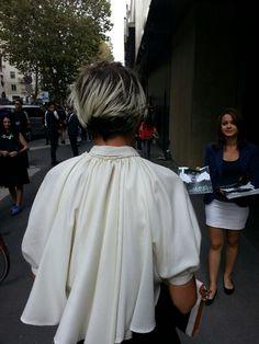 I tagli di capelli e i colori catturati per le strade di Londra e Milano durante le settimane della moda