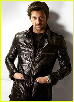 Patrick Dempsey is the new face of Versace Men's Campaign Ads. The February TV's Dr. McDreamy aka Patrick Dempsey will shed the new des. Sullivan Patrick Dempsey, Pretty People, Beautiful People, Afro, Raining Men, Good Looking Men, Famous Faces, American Actors, Sexy Men
