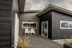 james hardie weatherboard,axon panel,residential,external cladding,beige,black,taupo