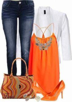 Look con dettagli arancioni