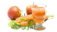 Jugos Rápidos para Bajar de Peso con  - 4 zanahorias - 1 manzana - 1 tallo de apio - Espinacas (tomar alrededor de un puñado) - Agregar el jugo de limón al gusto Mete los ingredientes en tu #Nutribullet y listo!!