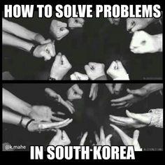 Rock paper scissors: how to solve problems in South Korea. 가위 바위 보! Kdrama Memes, Funny Kpop Memes, Exo Memes, Funny Quotes, Korean Drama Funny, Korean Words Learning, Rock Paper Scissors, Korean Language, Favim