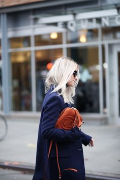 platinum blonde in navy with a Gucci bag #style #fashion #hair