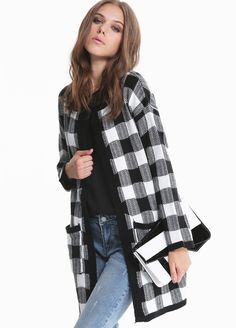 Black White Long Sleeve Plaid Pockets Knitting Coat 22.83