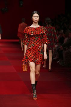 dolce-and-gabbana-summer-2015-women-fashion-show-runway-66