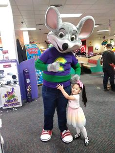 Chuck E Cheese, Paw Patrol, Hugs, Mickey Mouse, Disney Characters, Fictional Characters, Animals, Big Hugs, Animales